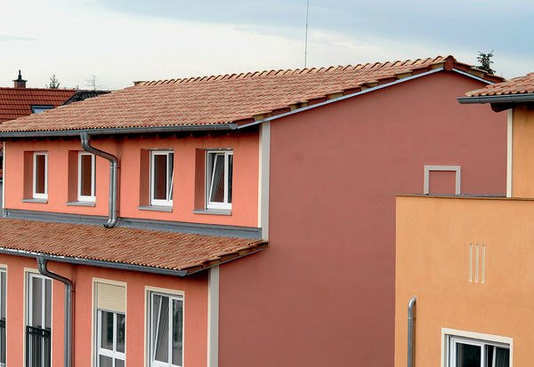 Fassadenfarbe mediterran  Gartensiedlung in Lorsch. Mediterranes Lebensgefühl