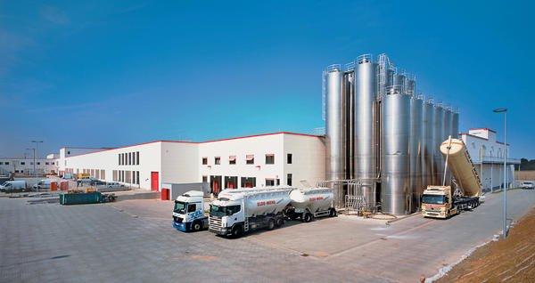 Von Lüdersdorf aus beliefert das Unternehmen täglich rund 800 Supermarkt-Filialen. Bilder: Xella Aircrete Systems