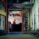 """Organisation für experimentellen Film und Musik """"Worm"""": Ein historisches Gebäude wurde mit recycelten Materialien ausgestattet."""