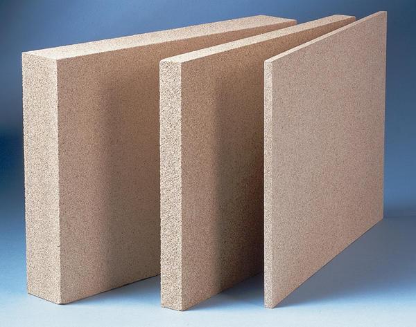 Brandschutzplatten aus Vermiculit werden ohne den Zusatz stabilisierender Fasern produziert. Bild: Miprotec