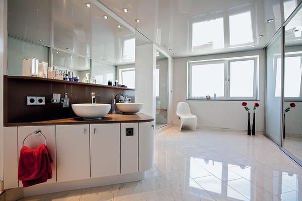 ausbau eines privaten badezimmers in karlsruhe spiegelnde. Black Bedroom Furniture Sets. Home Design Ideas