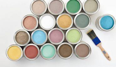 Ökologisch und ästhetisch: Der Naturfarbenhersteller Auro bietet seine fertig gemischte Colours for Life Profi-Lehmfarbe in circa 800 Wunschfarbtönen an.