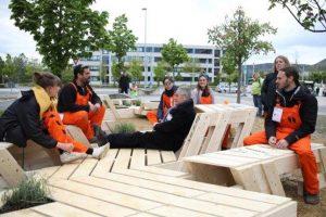 Eine Installation zum Kräuterpflücken, Verweilen und ins Gespräch kommen hat beim Architekturwettbewerb »72 Hour Urban Action« den Publikumspreis erhalten. Bild: Mor