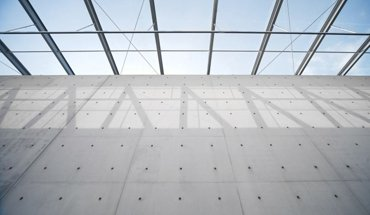 Um Neuerungen im Betonbau geht es auf den Beton-Seminaren 2018 des IZB. Bild: Langen Foundation in Neuss. Stephan Falk/BetonBild