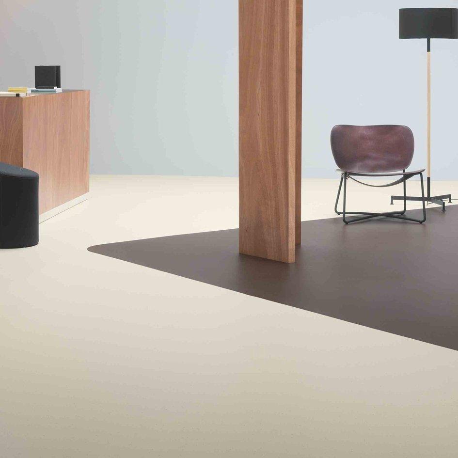 marmoleum cocoa von forbo flooring nachhaltiger linoleum belag mit kakaobohnenschalen. Black Bedroom Furniture Sets. Home Design Ideas