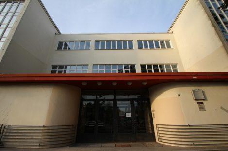 Die Altstädter Schule in Celle, erbaut 1926/28 von Otto Haesler, zählt weltweit zu einem der wichtigsten Objekte im Bauhaus-Stil. Bild: Celle Tourismus und Marketing GmbH