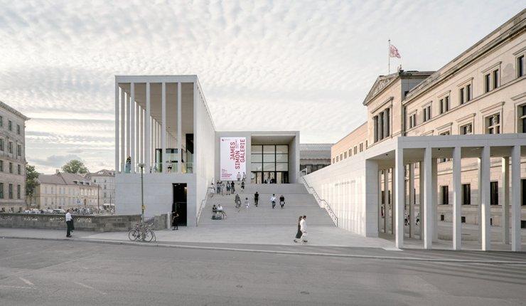 Der Neubau der James-Simon-Galerie in Berlin von David Chipperfield Architects ist Preisträger des DAM Preises 2020. Bild: Simon Menges