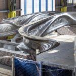 Die weltweit erste komplett 3D-gedruckte Brücke aus Edelstahl entstand in den Werkshallen von MX3D in Amsterdam. Bild: Thijs Wolzak