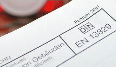 Blower-Door-Test: Was gehört in den Prüfbericht? Die neue Broschüre des FLiB soll für mehr Klarheit sorgen. Bild: FLiB
