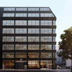 Bauen im Bestand: saniertes Bürogebäude in der Schillerstraße in München