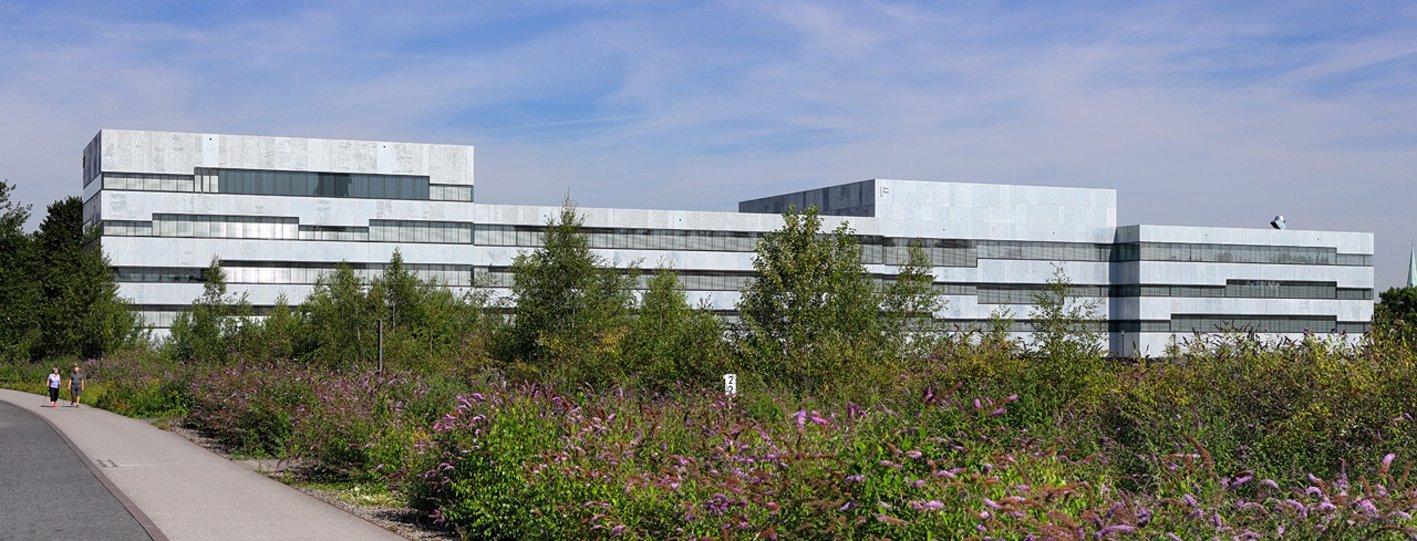Mit der Folkwang Universität der Künste in Essen sind MGF Architekten aus Stuttgart Preisträger des Deutschen Fassadenpreises 2018 für Vorgehängte Hinterlüftete Fassaden (VHF). Bild: Friedhelm Krischer, Duisburg