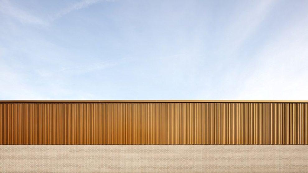 Goldene Metall-Fassade