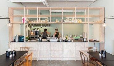 """Die """"alles isst gut-Kantine"""" ist das neueste Abenteuer innovativer Projekte, erdacht und gestaltet von AllesWirdGut Architekten aus Wien. Bild: tschinkersten / AllesWirdGut"""
