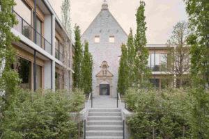 Kloster-Fassade aus Mauerwerk. Bild: Simon Menges