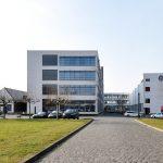 HE-Gebäude der ehemaligen Verseidag in Krefeld (frontale Ansicht), heute Mies van der Rohe Business Park. Bild: Daniel Lohmann.