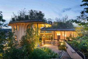 Gebäude aus drei Pavillons für das Maggie´s Leeds als Holzbau