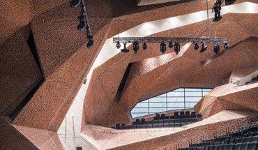 Ab 8. Dezember 2018 zeigt das Aedes in einer umfassenden Retrospektive Werke des bedeutenden spanischen Architekten Fernando Martín Menis. Bild: Jakub Certowicz