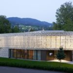 Stadtbibliothek in Dornbirn mit Keramik-Fassade
