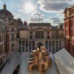 Noch bis 1. Oktober ist in London der 9 m hohe Holzpavillon
