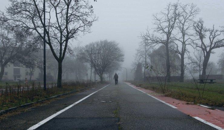 """Filmthema Konversion: Das """"Benjamin Franklin Village"""" wird zum Niemandsland. Bild: Gallion Filmproduktion"""