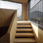 Holztreppe in Kirchturm