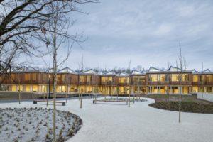 Die Akademie der Deutschen Gesellschaft für Internationale Zusammenarbeit (GIZ) in Bonn ist einer der Nominierten für den Deutschen Nachhaltigkeitspreis Architektur. Bild: Thilo Ross Fotografie