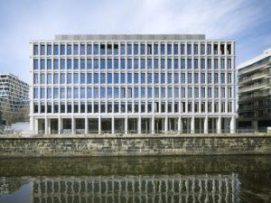 Bürogebäude am Hamburger Bahnhof, Berlin. Bild: Ruedi Walti