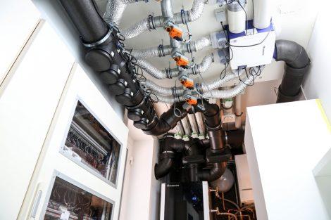 Lüftungssystem Healthbox 3.0 (intelligentes energiesparendes Lüftungssystem – unter der Decke) und Lüftungssystem Endura (