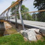 Integrale Holzbrücke aus Holz und Beton