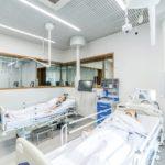 An hochentwickelten Patientenpuppen können verschiedene medizinische oder chirurgische Eingriffe und Behandlungen unter realistischen Bedingungen nachgestellt werden. Bild: Maciej Lulko