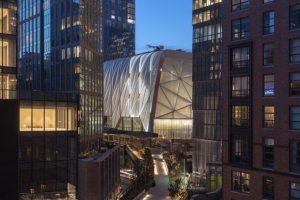 Die Gebäudehülle von Manhattans neuem Kunst- und Kulturzentrum »The Shed« besteht aus 148 mit Luft gefüllten ETFE-Folienkissen und einem innenliegenden Stahltragwerk. Bild: Timothy Schenck