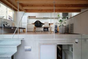 Innenraum in Minihaus in Tokio von Unemori Architects