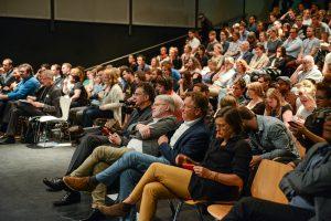 Urban Slam geht in die nächste Runde: Nachwuchs-Architektinnen tragen ihre Ideen und Konzepte mit kurzen, pointierten Vorträgen am 18. Mai 2017 in Köln vor. Bild: AKNW, Jörg Meier