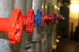 Trinkwasserhygiene: Die neue Richtlinie VDI 6023 Blatt 1 gibt konkrete Hinweise für die Planung, Errichtung und Nutzung aller Trinkwasser-Installationen. Bild: Arnd Bürschgens