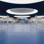 Nominiert in der Kategorie Verkehrsbauten: Fahrradtiefgarage Basel. Lichtplanung: Licht Kunst Licht AG. Bild: Johannes Roloff