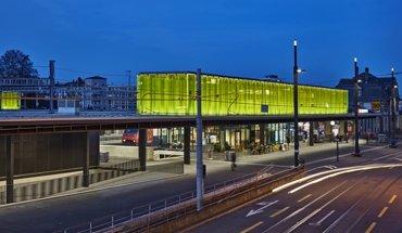 Nominiert für den Lichtdesign-Preis in der Kategorie Verkehrsbauten: Bahnhof Oerlikon in Zürich von lichtgestaltende ingenieure vogtpartner. Bild: René Dürr