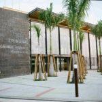 Gerichtsgebäude mit Mauerwerk und Architekturgewebe auf Guadeloupe