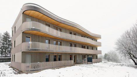 """Für den Bau der sogenannten """"Hoffnungshäuser"""" hat das Stuttgarter Architekturbüro andOffice ein modulares Baukastensystem in Holzbauweise entwickelt."""
