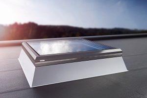 """Oberlicht """"CI-System Glaselement FE"""" von Lamilux"""