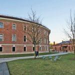 Das ehemalige Gefängnisgebäude nach der umfangreichen Sanierung. Bild: Remmers / Tuchinskij