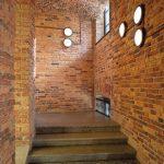 Im einstigen Gefängnisgebäude ging es darum, das historische Mauerwerk sichtbar zu erhalten und die Steine dennoch vor dem Verfall zu schützen. Bild: Remmers / Dmitriy Fufaev (Fufaev.ru)