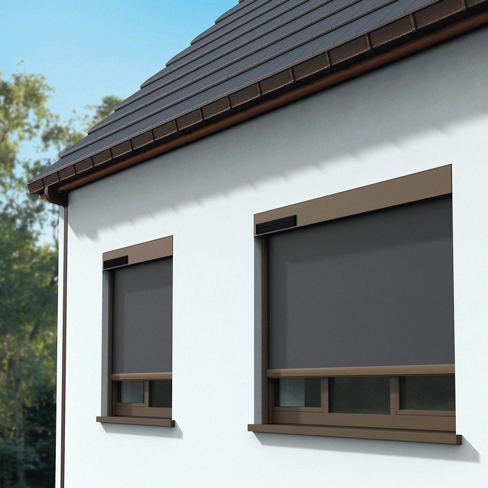 Sturmfeste Senkrechtmarkise - Fixscreen mit Solartechnik