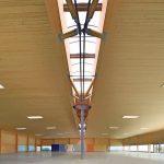 Fertige Halle, Dachkonstruktion in Holzbau. Bild: Kielsteg Deutschland GmbH