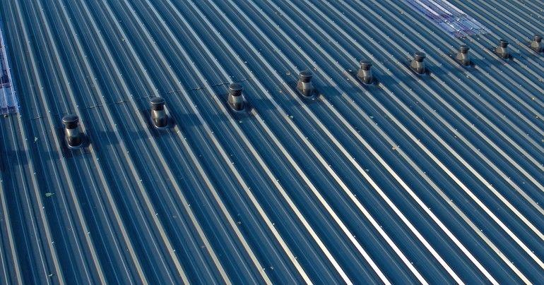Dachdurchführungen: Lüftungsdurchführung für das Metalldach. Bild: Klöber