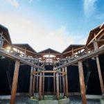 Dachkonstruktion mit Innenhof, Holz