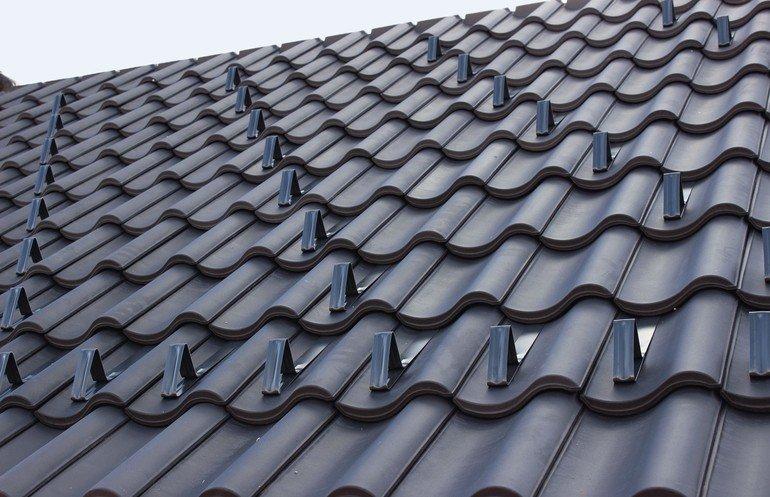 Dächer müssen sicher geplant sein inklusive Eindeckung und Unterdach. Bild: Creaton