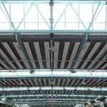 Halle mit Lichtbändern in der Dachkonstruktion. Bild: Jet-Gruppe