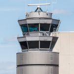 Folienrollos: Zuverlässiger Blendschutz mit optimaler Durchsicht für Flughafen-Tower. Bild: Multifilm