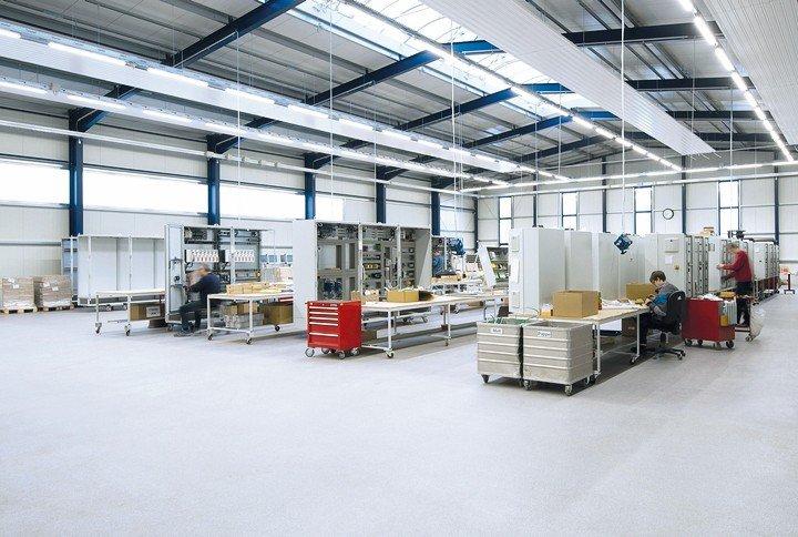 Reparaturmörtel für Industrieböden. Bild: Silikal GmbH