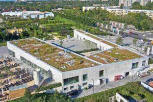 """EPDM-Dachbahn für Neubau eines Besucherzentrums für die """"Gärten der Welt"""" in Berlin-Marzahn. Bilder: alwitra"""